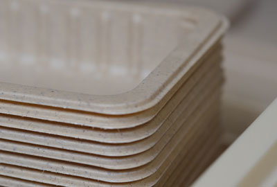 Emballage écologique, barquettes biodégradables.